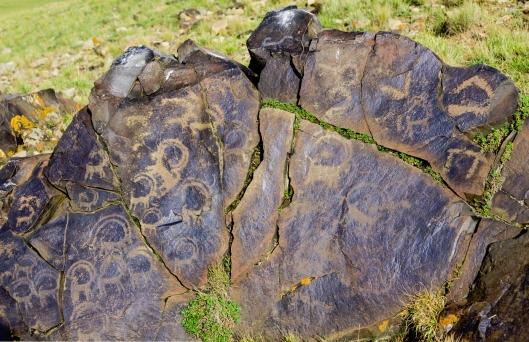 kırgızistan son köl de geyikli kaya
